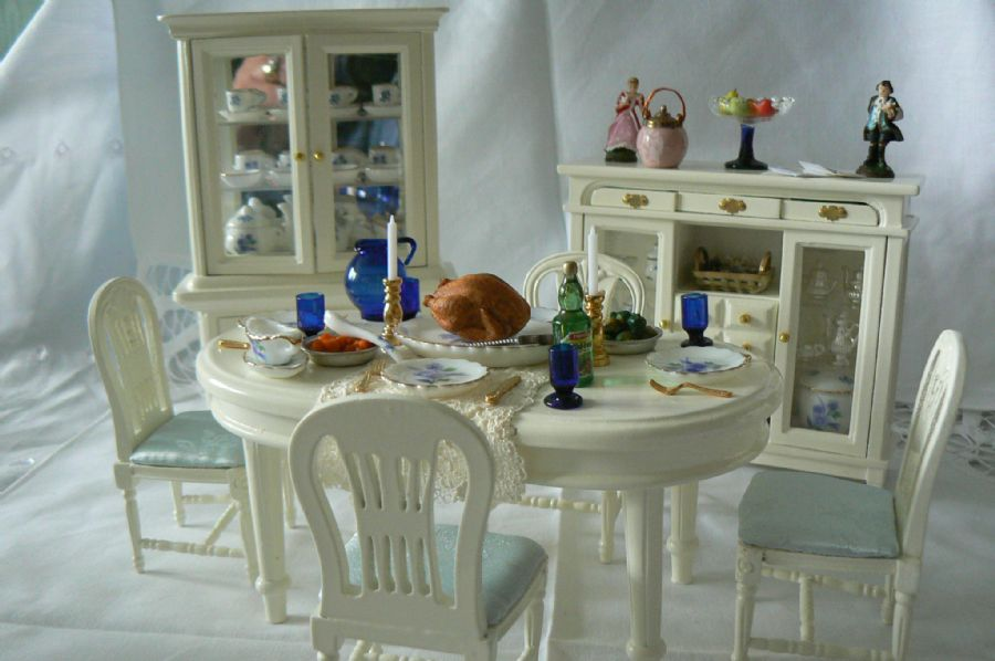Dressed Dining Table Dresser And Sideboard